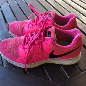 Pink Nike Zoom Pegasus 31
